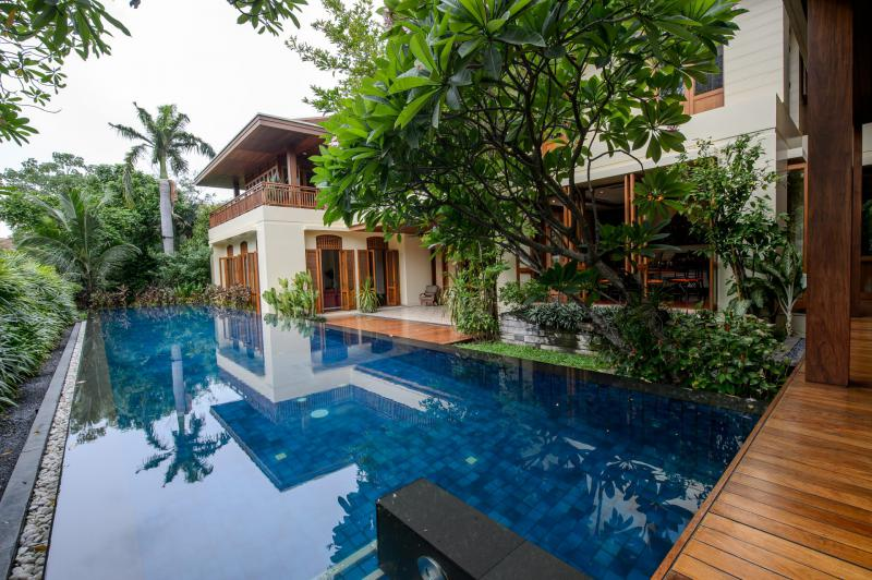 Private House in Sukhumvit For Rent and Sale